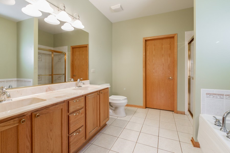 Real Estate Photography - 935 Woodland Dr, Antioch, IL, 60002 - Master Bathroom