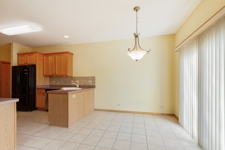 Real Estate Photography - 935 Woodland Dr, Antioch, IL, 60002 - Kitchen / Breakfast Room