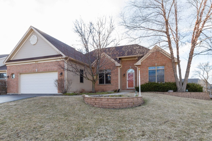 Real Estate Photography - 935 Woodland Dr, Antioch, IL, 60002 - Front View