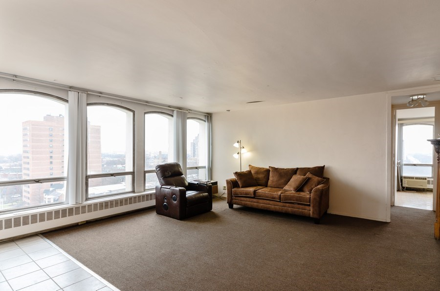 Real Estate Photography - 1400 E. 55th Place, Unit 1002S, Chicago, IL, 60637 - Living Room