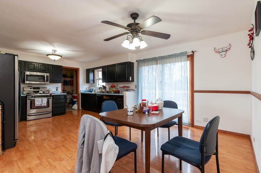 Real Estate Photography - 25950 W. Kathryn Drive, Antioch, IL, 60002 - Kitchen / Breakfast Room
