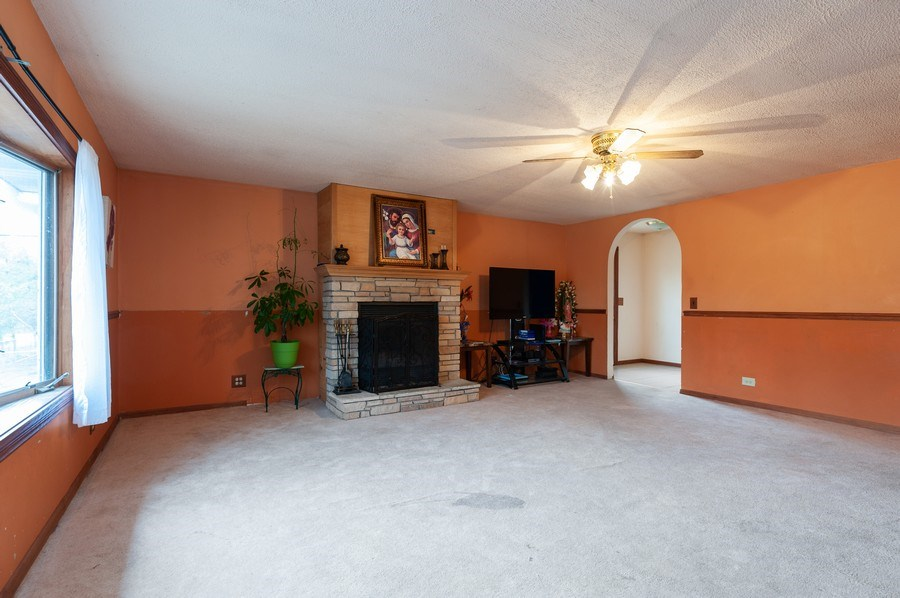 Real Estate Photography - 25950 W. Kathryn Drive, Antioch, IL, 60002 - Family Room