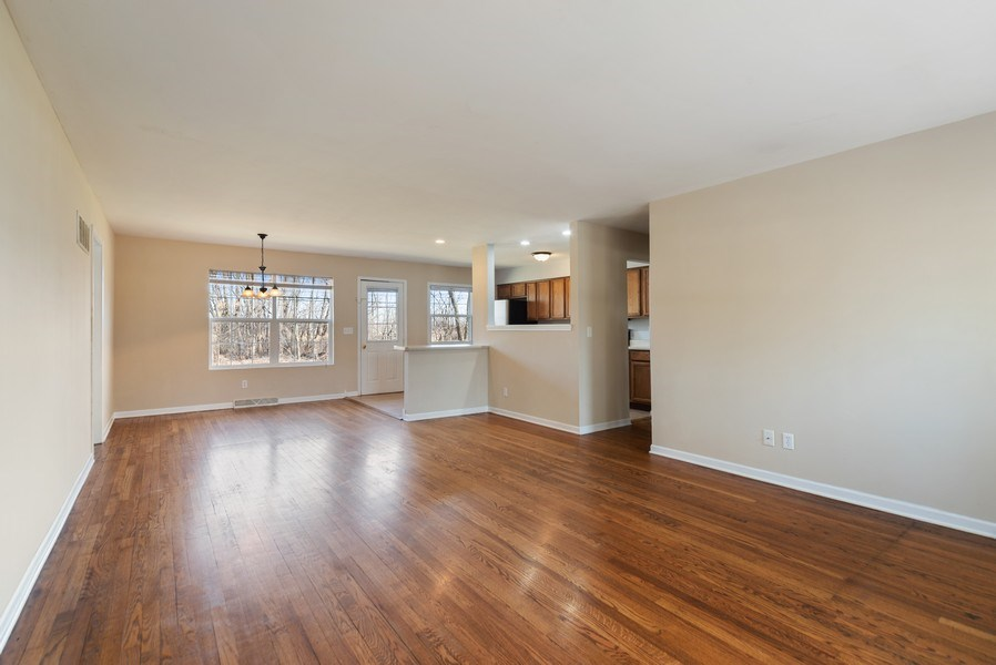 Real Estate Photography - 349 Mary Ln, Crystal Lake, IL, 60014 - Living Room