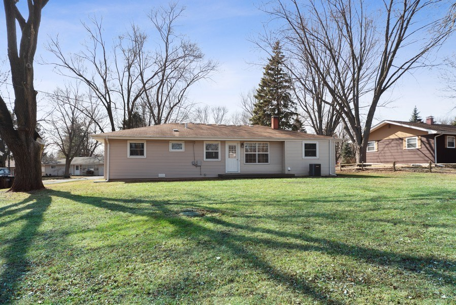 Real Estate Photography - 349 Mary Ln, Crystal Lake, IL, 60014 - Back Yard