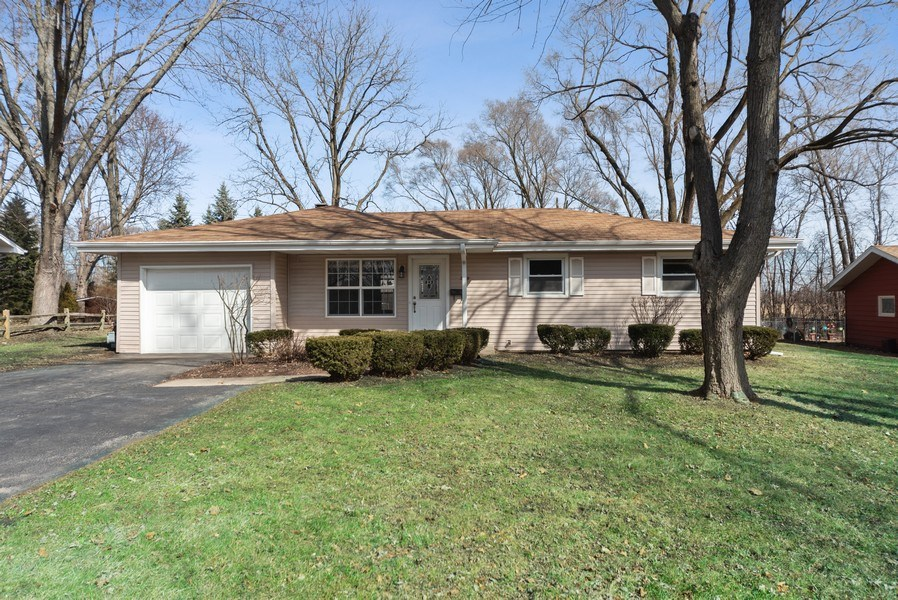 Real Estate Photography - 349 Mary Ln, Crystal Lake, IL, 60014 - Front View