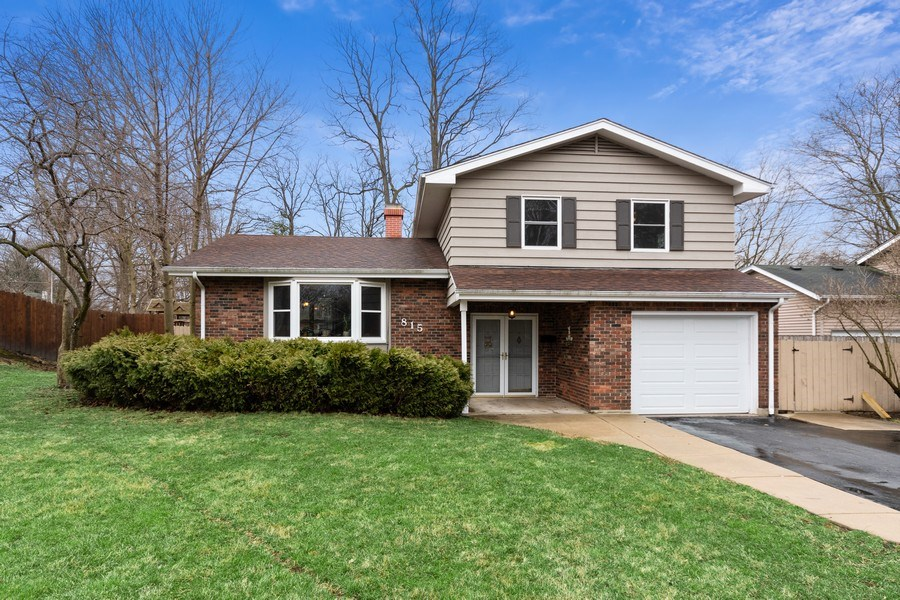 Real Estate Photography - 815 Ohio Avenue, St. Charles, IL, 60174 - Front View