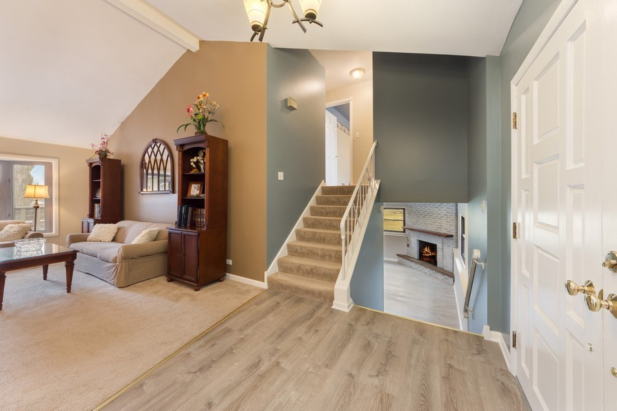 Real Estate Photography - 1911 E. Peachtree Lane, Arlington Heights, IL, 60004 - Foyer