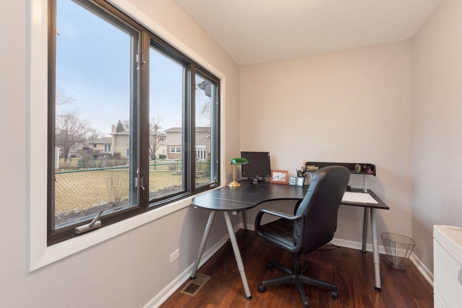 Real Estate Photography - 1911 E. Peachtree Lane, Arlington Heights, IL, 60004 - Office