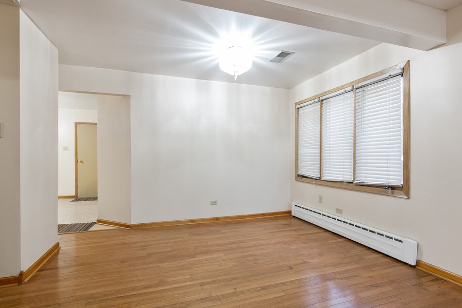 Real Estate Photography - 8609 PARKSIDE Avenue, Burbank, IL, 60459 - Dining Room