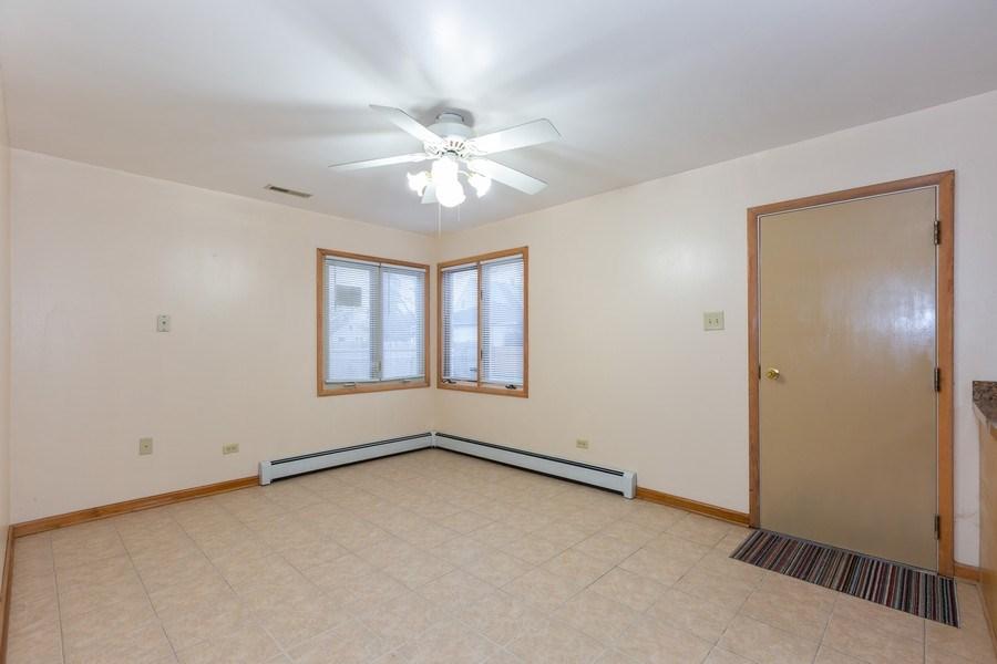 Real Estate Photography - 8609 PARKSIDE Avenue, Burbank, IL, 60459 - Breakfast Area