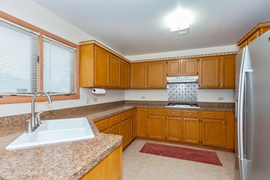 Real Estate Photography - 8609 PARKSIDE Avenue, Burbank, IL, 60459 - Kitchen