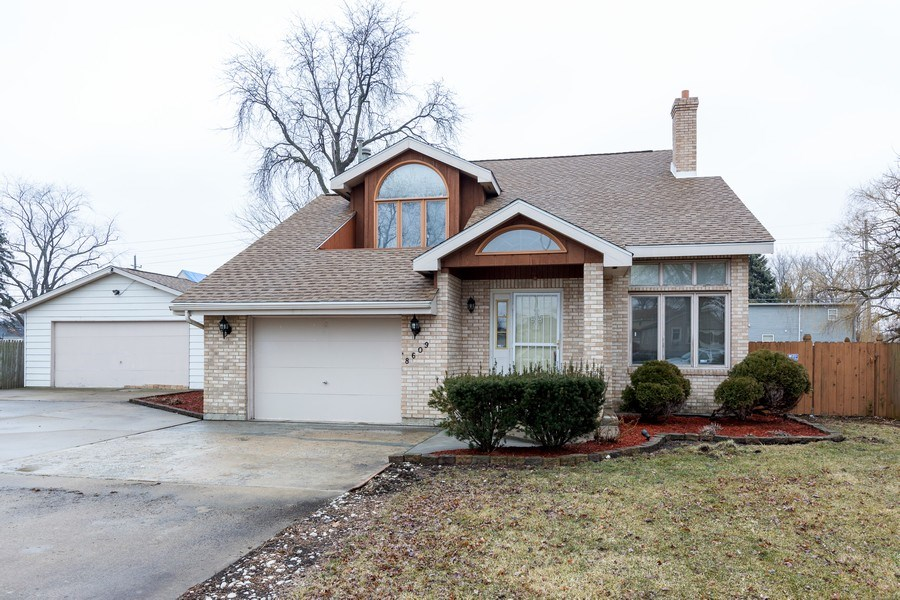 Real Estate Photography - 8609 PARKSIDE Avenue, Burbank, IL, 60459 - Front View