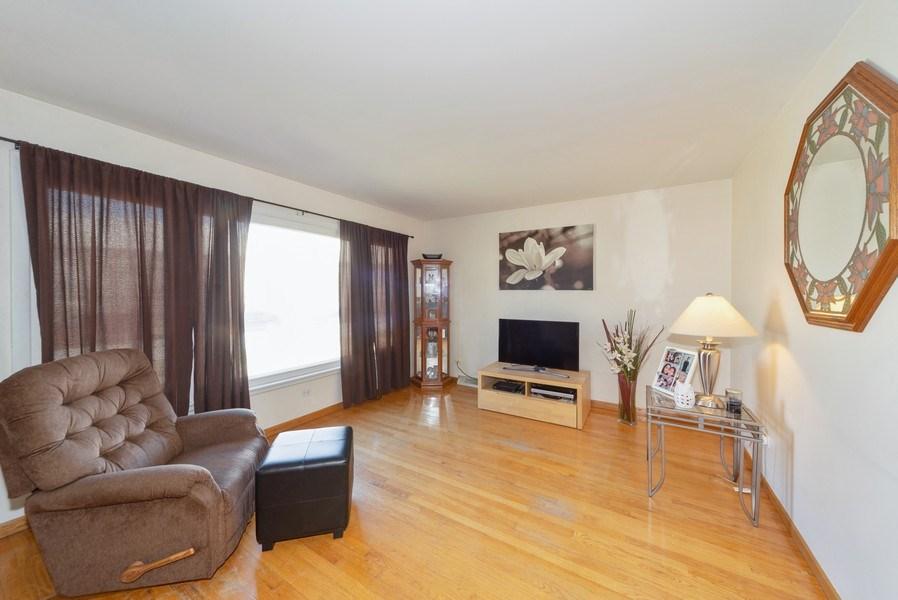 Real Estate Photography - 5037 HAROLD Avenue, Schiller Park, IL, 60176 - Living Room
