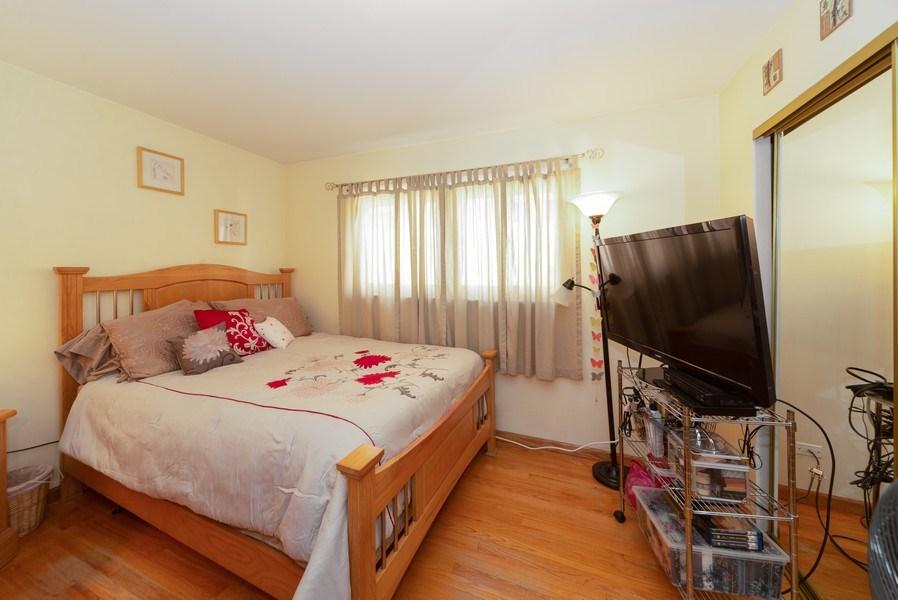 Real Estate Photography - 5037 HAROLD Avenue, Schiller Park, IL, 60176 - Master Bedroom