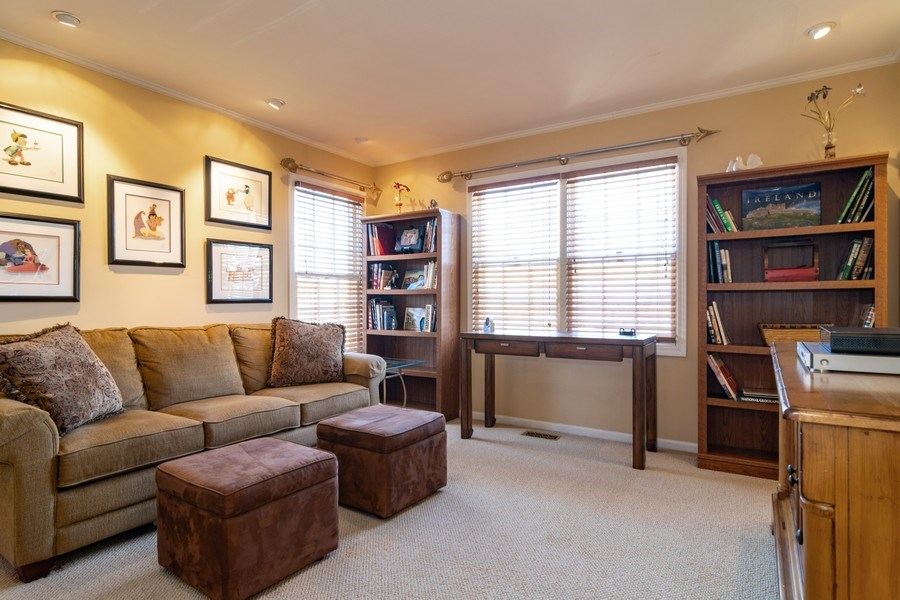 Real Estate Photography - 318 Torrington Drive, Bloomingdale, IL, 60108 - 2nd Bedroom