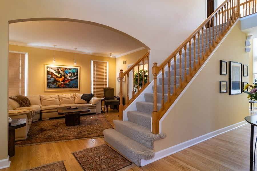 Real Estate Photography - 318 Torrington Drive, Bloomingdale, IL, 60108 - Foyer