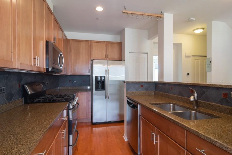 Real Estate Photography - 1886 Potomac Court, Wheeling, IL, 60090 - Kitchen
