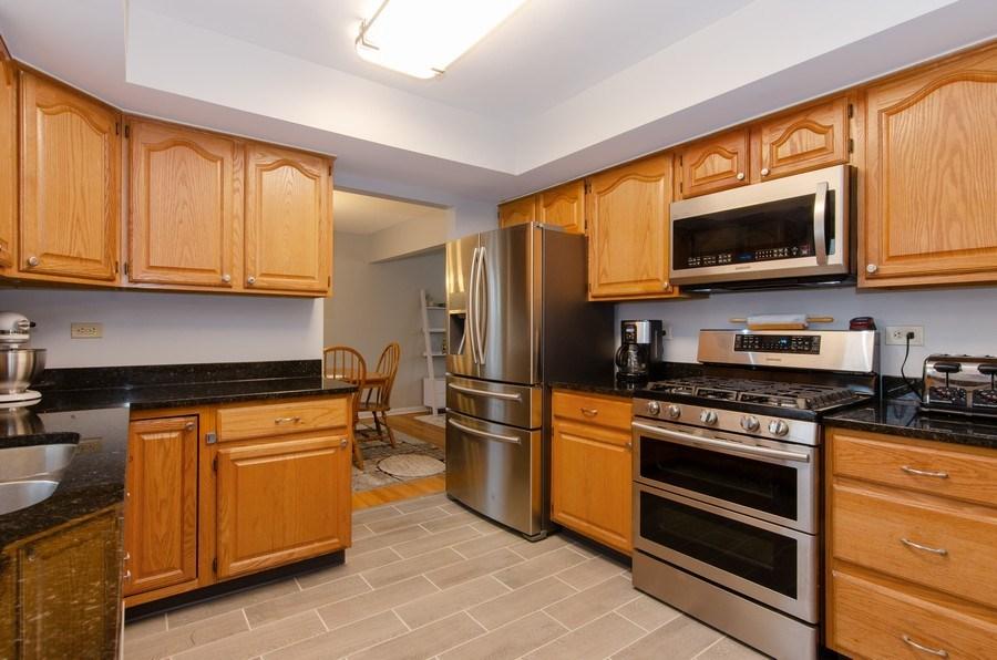 Real Estate Photography - 427 W. North Avenue, Bartlett, IL, 60103 - Kitchen