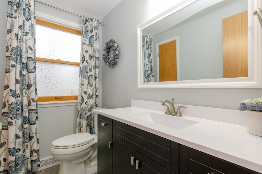 Real Estate Photography - 427 W. North Avenue, Bartlett, IL, 60103 - Powder Room
