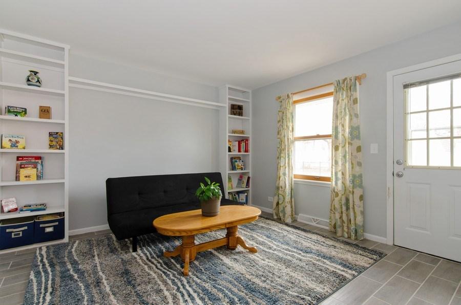 Real Estate Photography - 427 W. North Avenue, Bartlett, IL, 60103 - Family Room