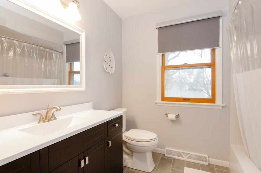Real Estate Photography - 427 W. North Avenue, Bartlett, IL, 60103 - 2nd Bathroom