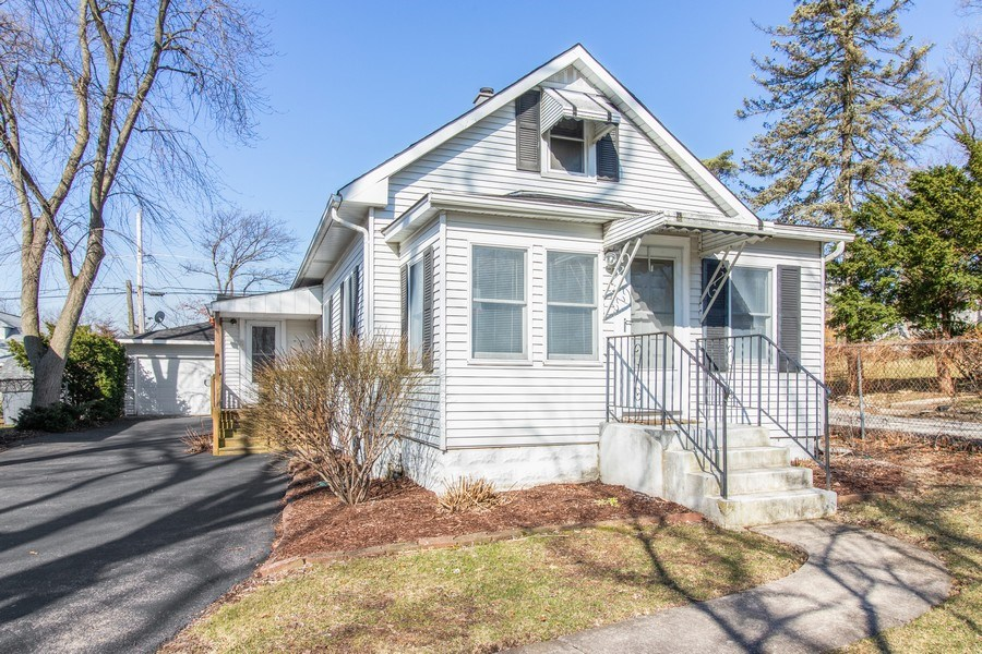 Real Estate Photography - 4842 Francisco Avenue, Downers Grove, IL, 60515 - Front View