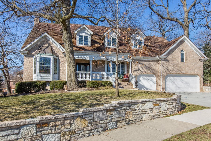 Real Estate Photography - 107 BRIDGEWATER Court, Naperville, IL, 60565 - EXTERIOR FRONT