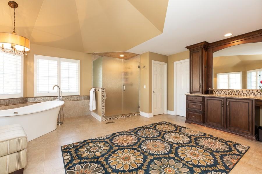 Real Estate Photography - 107 BRIDGEWATER Court, Naperville, IL, 60565 - MASTER BATHROOM