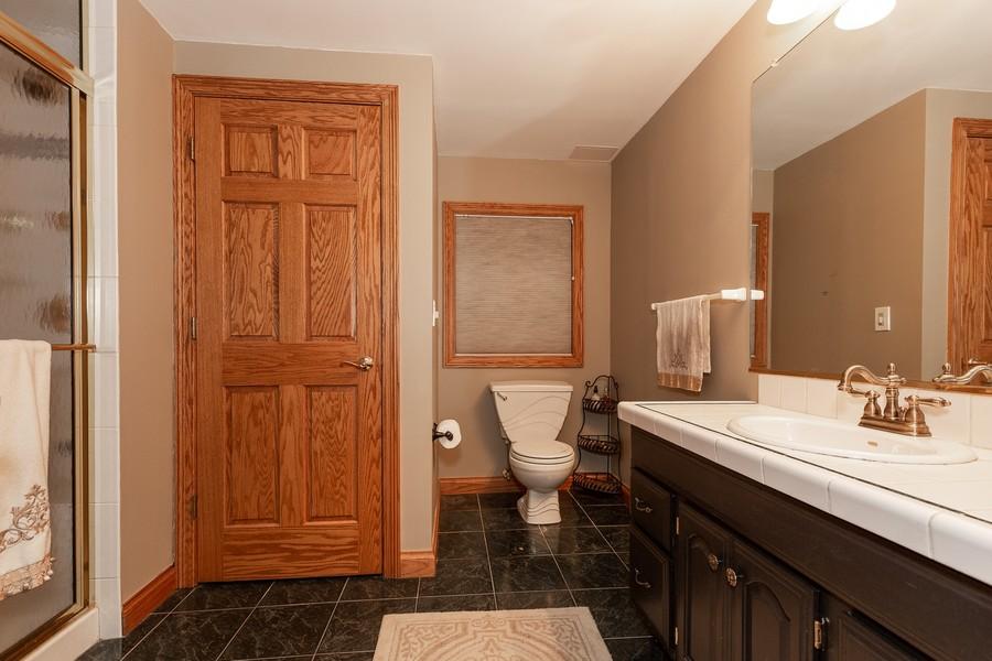 Real Estate Photography - 107 BRIDGEWATER Court, Naperville, IL, 60565 - BASEMENT BATHROOM