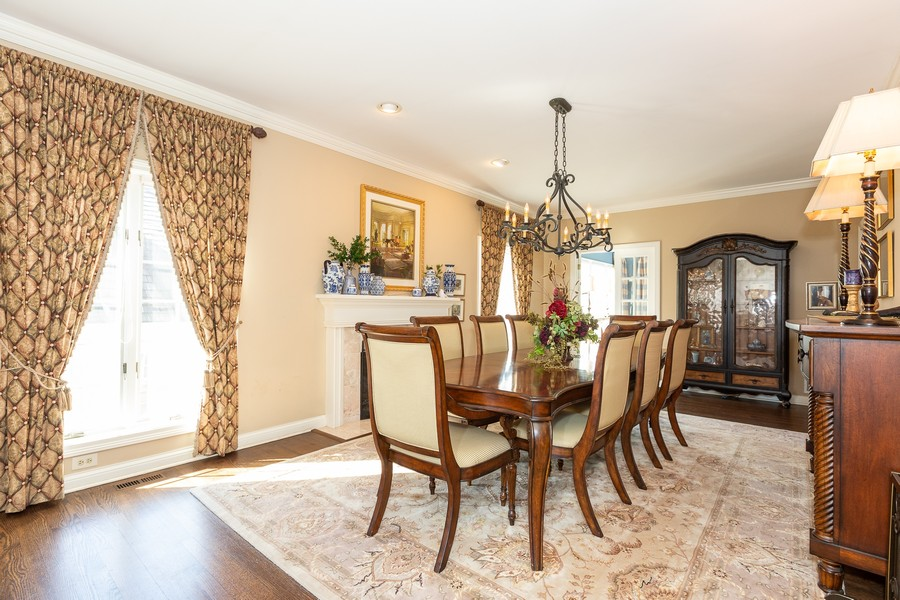 Real Estate Photography - 107 BRIDGEWATER Court, Naperville, IL, 60565 - DINING ROOM