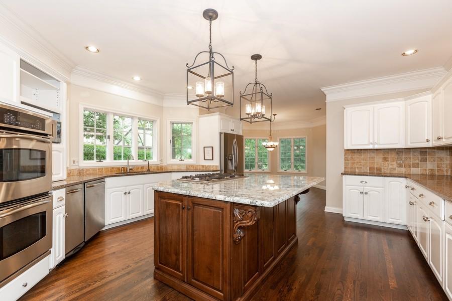 Real Estate Photography - 107 BRIDGEWATER Court, Naperville, IL, 60565 - Kitchen