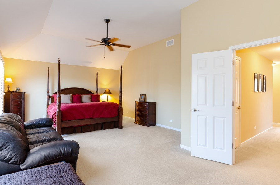Real Estate Photography - 904 Tipperary Street, Gilberts, IL, 60136 - Master bdr with large sit-in area