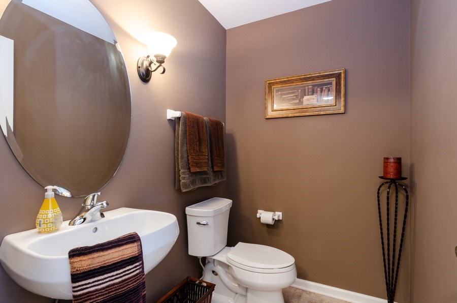 Real Estate Photography - 904 Tipperary Street, Gilberts, IL, 60136 - 1st floor powder room