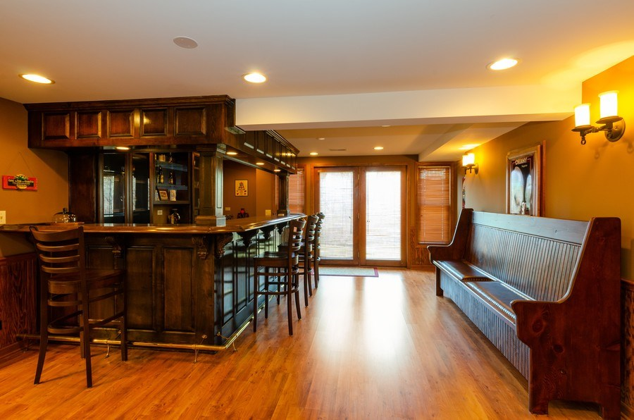 Real Estate Photography - 904 Tipperary Street, Gilberts, IL, 60136 - Prof. Lux custom built wet bar