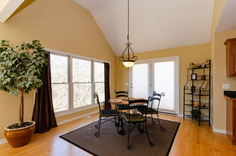 Real Estate Photography - 904 Tipperary Street, Gilberts, IL, 60136 - Breakfast Area