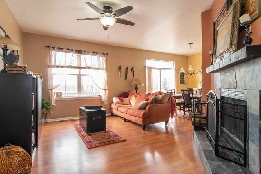 Real Estate Photography - 1097 Horizon Drive, Bartlett, IL, 60103 - Living Room