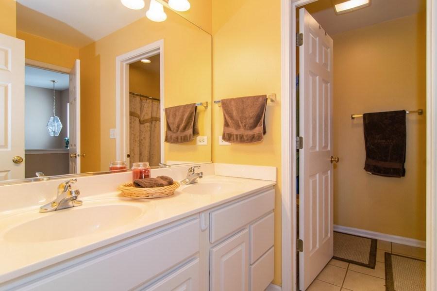 Real Estate Photography - 1097 Horizon Drive, Bartlett, IL, 60103 - Master Bathroom