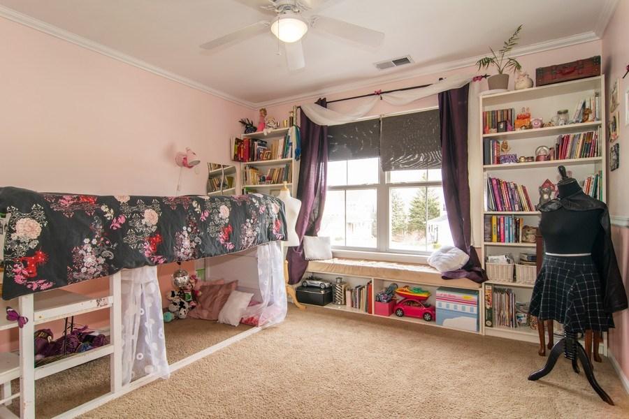 Real Estate Photography - 1097 Horizon Drive, Bartlett, IL, 60103 - Kids Bedroom