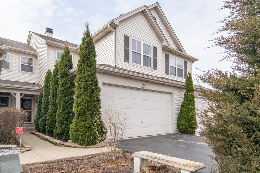Real Estate Photography - 1097 Horizon Drive, Bartlett, IL, 60103 - Front View