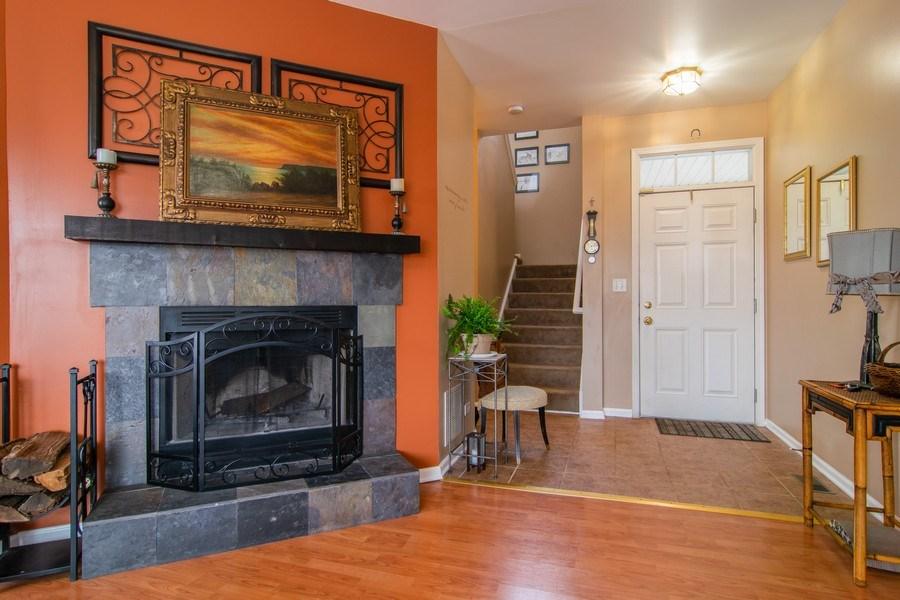 Real Estate Photography - 1097 Horizon Drive, Bartlett, IL, 60103 - Entryway