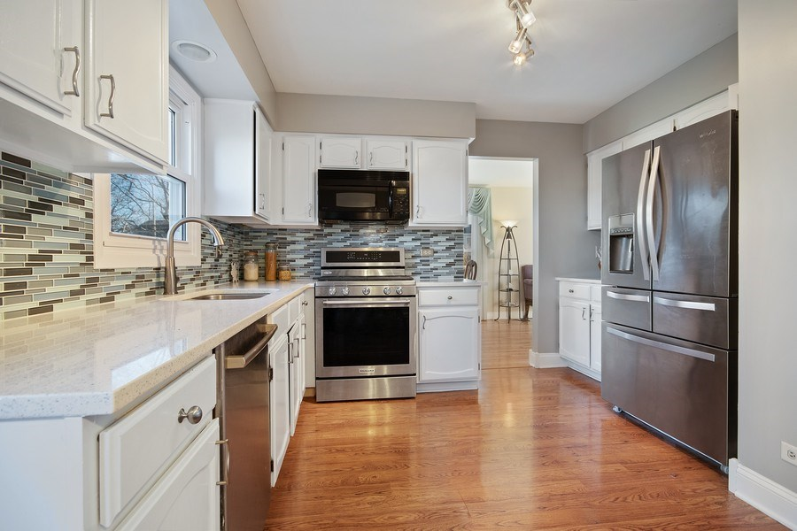 Real Estate Photography - 1104 Foxworth Boulevard, Lombard, IL, 60148 - Kitchen