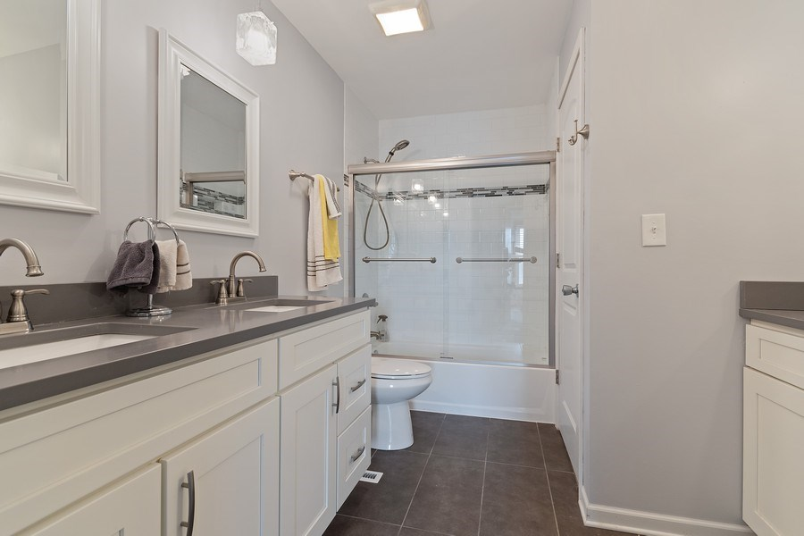 Real Estate Photography - 1104 Foxworth Boulevard, Lombard, IL, 60148 - Shared Bathroom