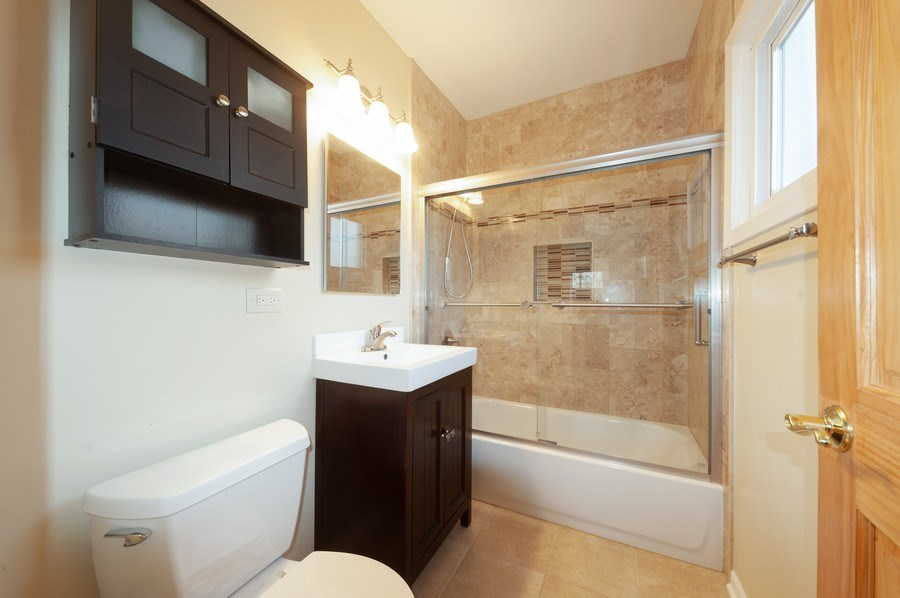Real Estate Photography - 2916 Central Avenue, Wilmette, IL, 60091 - Bathroom