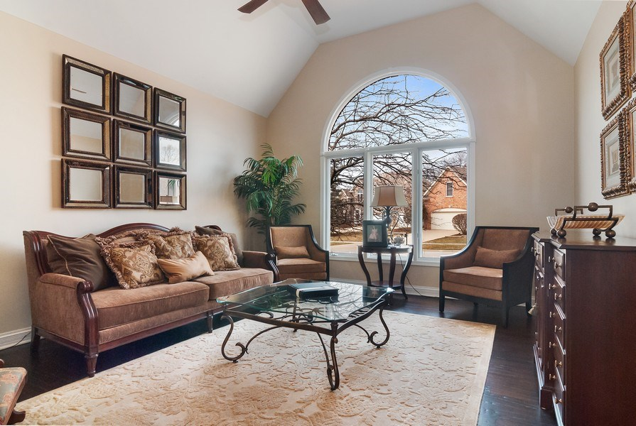 Real Estate Photography - 2019 RACHEL Lane, Aurora, IL, 60502 - Living Room