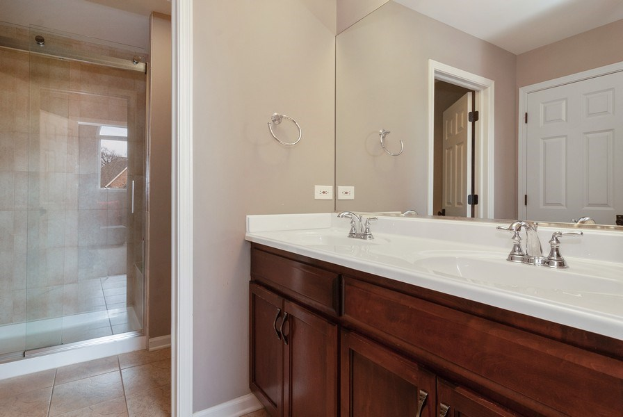 Real Estate Photography - 2019 RACHEL Lane, Aurora, IL, 60502 - 2nd Bathroom