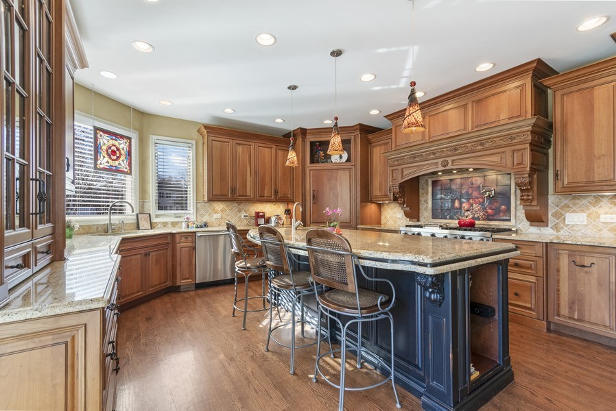 Real Estate Photography - 1668 IMPERIAL Circle, Naperville, IL, 60563 - Kitchen