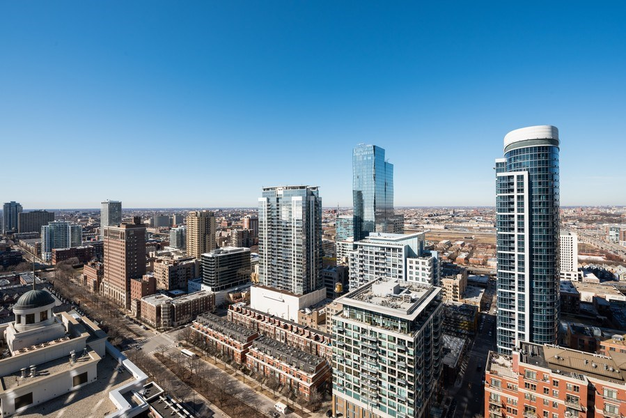 Real Estate Photography - 1235 S. Prairie Avenue, Unit 3105, Chicago, IL, 60605 - City View