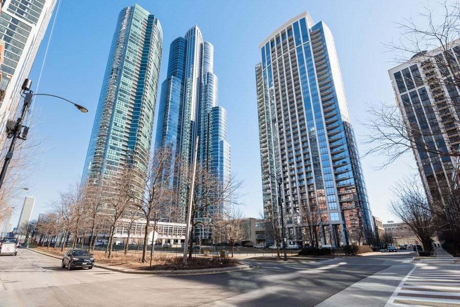 Real Estate Photography - 1235 S. Prairie Avenue, Unit 3105, Chicago, IL, 60605 - Neighborhood