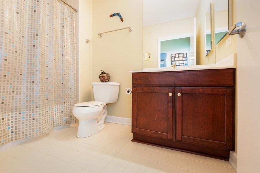 Real Estate Photography - 1235 S. Prairie Avenue, Unit 3105, Chicago, IL, 60605 - Bathroom