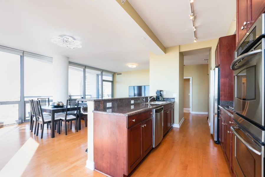 Real Estate Photography - 1235 S. Prairie Avenue, Unit 3105, Chicago, IL, 60605 - Kitchen / Dining Room